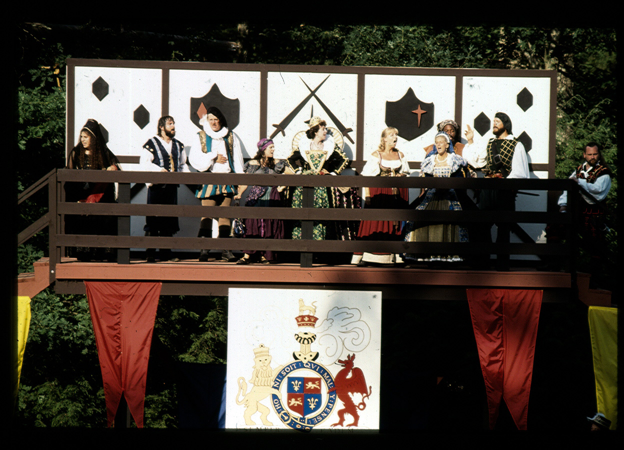 Madrigals-on-Dais-Pocono-93