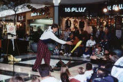 Tain-and-Mall-Crowd-Club-Toss
